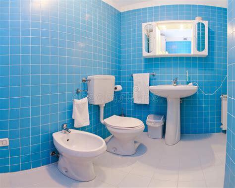 Blaue Badezimmer Bilder by Blaues Badezimmer Stockfoto Bild Badezimmer Blau