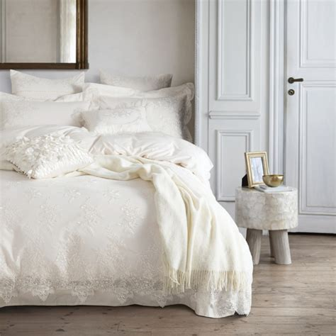 Bed Cover Wedding Import 7 white lace wedding bedding set king size 4 7pcs royal palace bed set duvet cover bed sheet