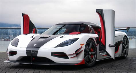 koenigsegg agera rs white this agera rs is the koenigsegg in canada carscoops