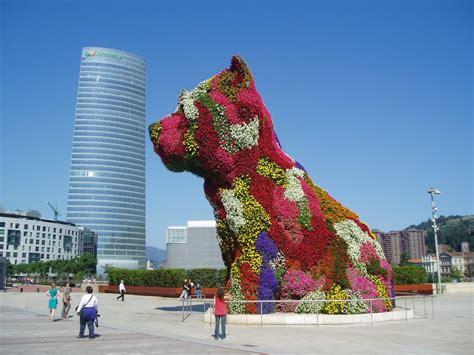 puppy jeff koons panoramio photo of quot puppy quot de jeff koons con la torre iberdrola al fondo