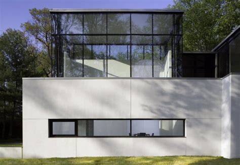 Black And White House With Modern Glass Building Blackwhite Residence Home Building | black and white house with modern glass building