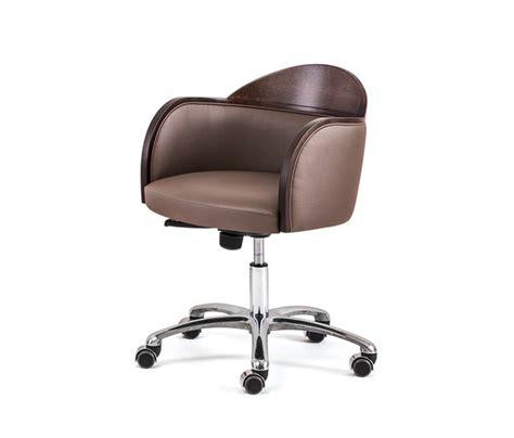 roulettes fauteuil fauteuil chaises de travail de bross architonic