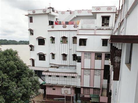 holy home serore hostel