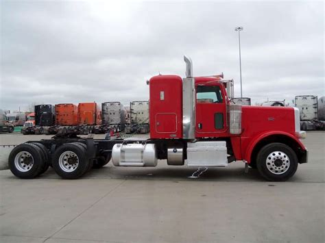 peterbilt semi trucks 2011 peterbilt 388 sleeper truck for sale 269 712 miles