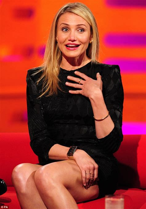 do older women loose there pubic hair cameron diaz clears up her stance on pubic hair during