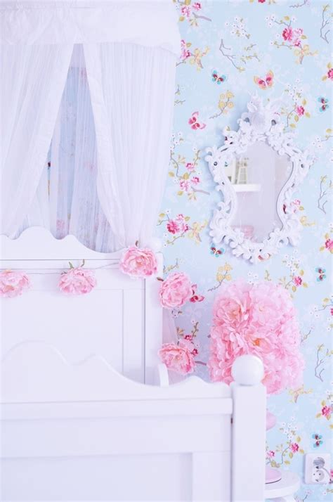 little girl wallpaper for bedroom 17 best images about wallpaper curtains on pinterest