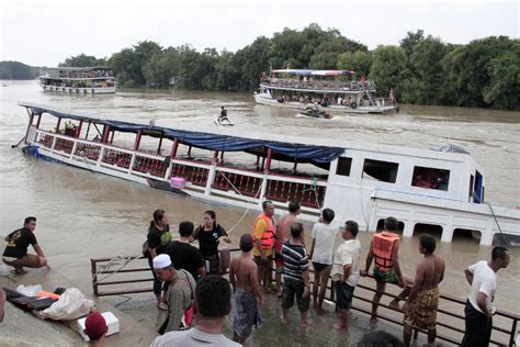 thailand news boat crash thailand boat accident leaves at least 13 reported dead
