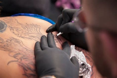 Tattoo Artist Use Numbing Cream | numbing cream for tattoos
