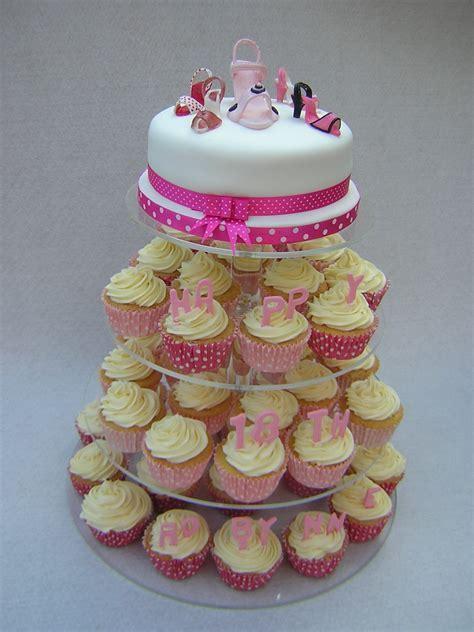 Cupcake Cakes   Julie's Creative CakesJulie's Creative Cakes