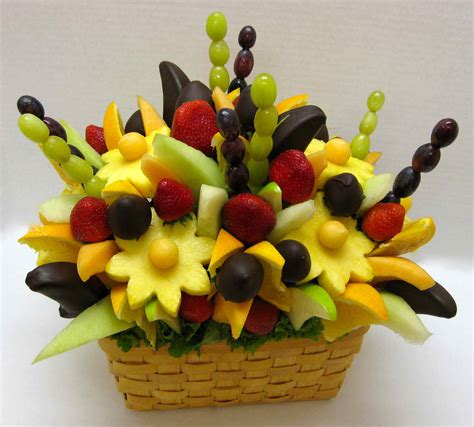 Edible Arrangement | how to make your own edible fruit arrangement crazeedaisee