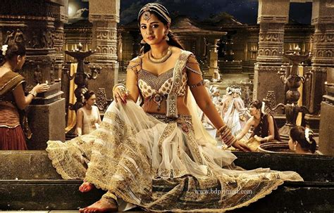Film Rudrama Devi Biography | anushka shetty photo gallery marriage movies