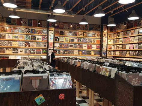 las vegas  stores  vinyl records  cds
