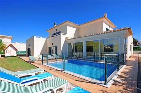 villa to rent in albufeira algarve with pool 83716