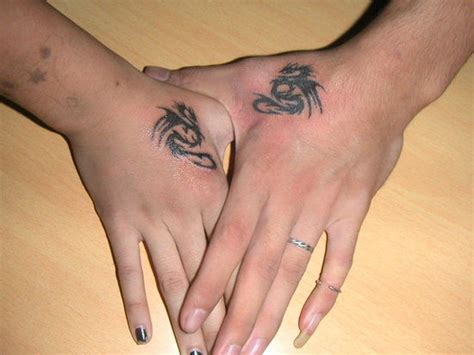 dragon tattoo designs on hand cool small tattoos ideas for que la historia