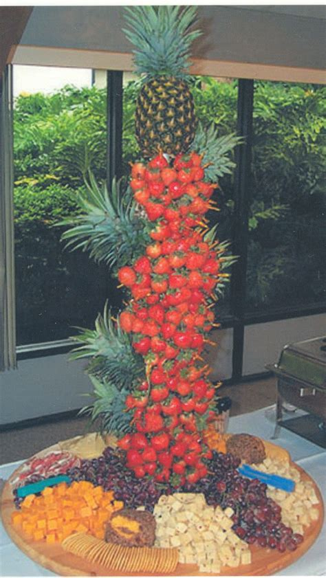 Pineapple Palm Tree Fruit Display   pineapple fruit x