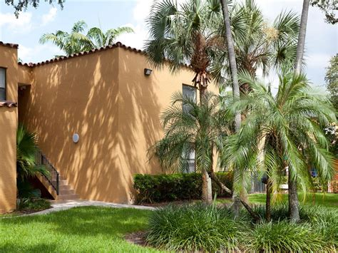 dog house miami lakes bull run apartments apartments in miami lakes fl