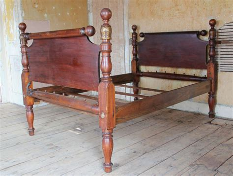cannonball bed 19th century american cannonball bed at 1stdibs