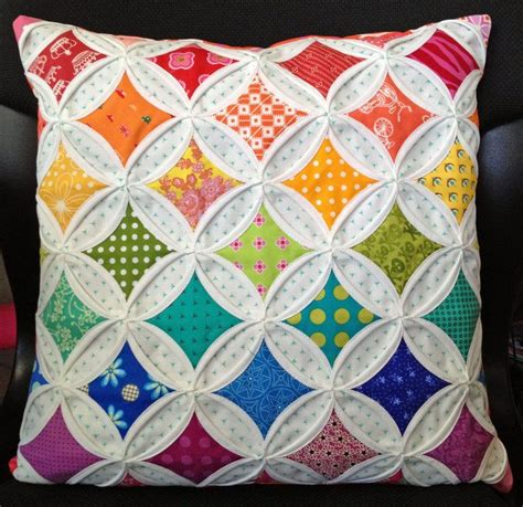 Cathedral Quilt Pattern by Best 25 Cathedral Windows Ideas On
