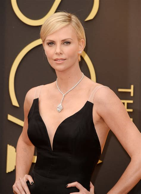 film oscar charlize theron charlize theron at the oscars 2014 popsugar celebrity