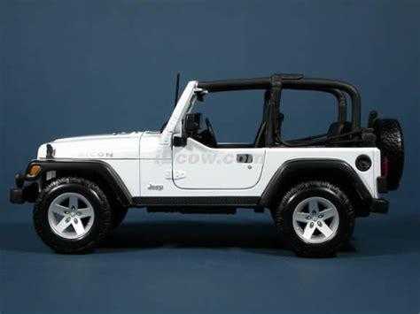 jeep models 2004 2004 jeep wrangler rubicon diecast model car 1 18 scale