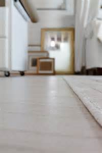 Installing Vinyl Floor Tiles Installing Peel And Stick Tiles For Basement Flooring