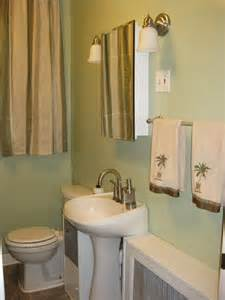 anyone has a green bathroom thenest