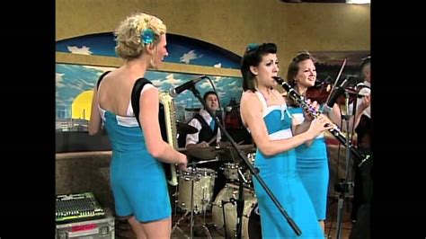 swing commanders the swing commanders at kens5 great day sa 2011 youtube