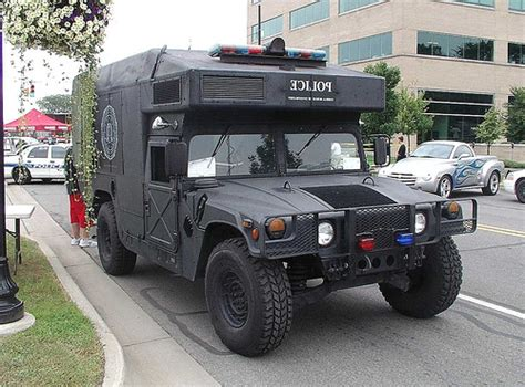 Hummer Pluto fbi detroit office swat 10 fbi swat team humvee detroit fi flickr
