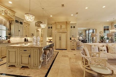 White/off white French Country Kitchen Shabby Chic's for