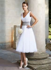 brautkleider in ã bergrã ãÿe die besten 17 ideen zu kurze hochzeitskleider auf vintage hochzeitskleid kleider