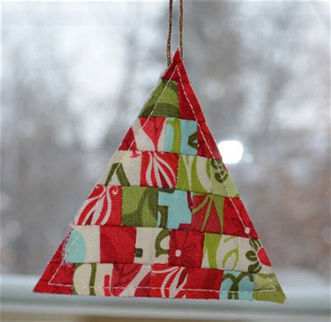 quilt christmas ornaments 17 projects to hang on your
