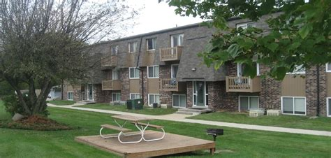 1 bedroom apartments cedar falls iowa thunder ridge apartments rentals cedar falls ia