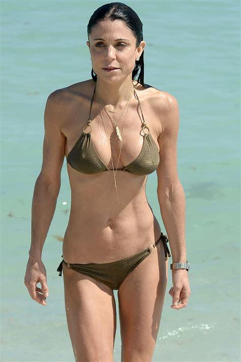 celebrity bethenny frankel bethenny frankel in bikini on the beach in miami hawtcelebs