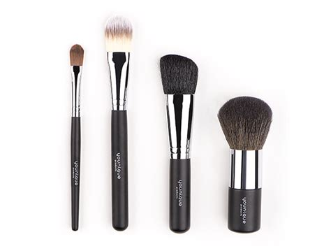Makeup Makeover Sepaket a great makeover starts with clean quality brushes