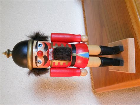 Handmade Nutcracker - holzkunst christian ulbricht nutcracker handmade in west