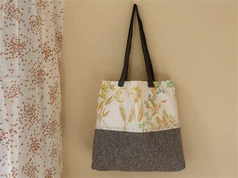 tote bag pattern skip to my lou beach bag tote pattern 6 simple lined tote bag tutorial