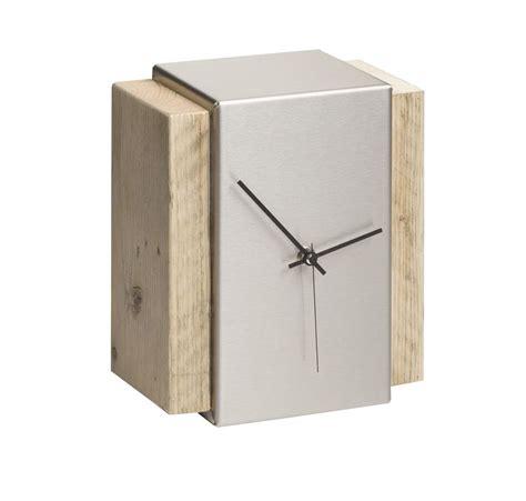 tischuhr edelstahl designer tischuhr berlin edelstahl bauholz im dutch design
