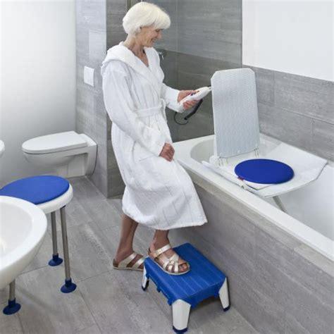 bathtub for old people handicat