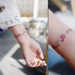 tatouage poignet discret parfait pour 234 tre dissimul 233 ou