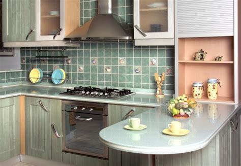 strand glas backsplash patarimai kaip išnaudoti mažos virtuvės erdvę delfi