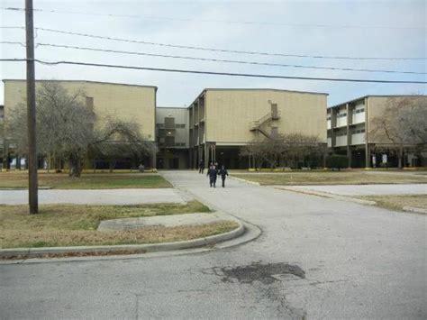 defense department housing unaccompanied children