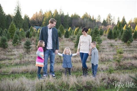 christmas tree farm in logan utah springer family ames tree farm mini session kylee studios logan utah wedding