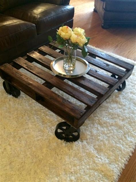 pallet table with wheels diy pallet coffee table with wheels pallet furniture plans
