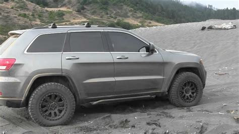 2014 jeep grand cherokee tires jeep grand cherokee wk2 lift pictures to pin on pinterest