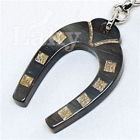 amuleti porta fortuna ferro di cavallo in corno portafortuna di bufalo su laky it