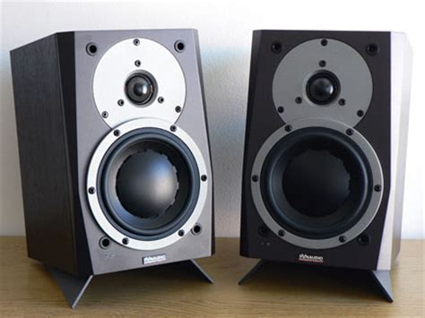 bookshelf speaker stands to the floor