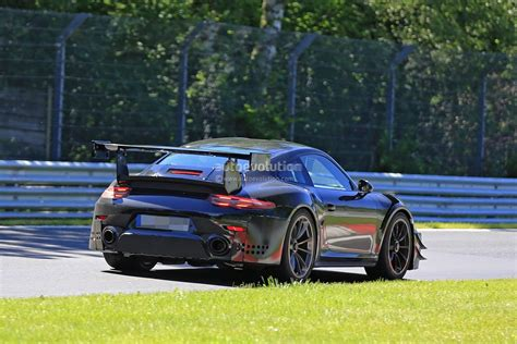 porsche red 2017 2017 porsche 911 gt2 991 2 spied showing red exhaust