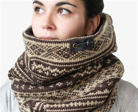 snock cowl scarves so that s cool