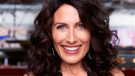 lisa edelstein lisa edelstein s nude portraits the wendy williams show