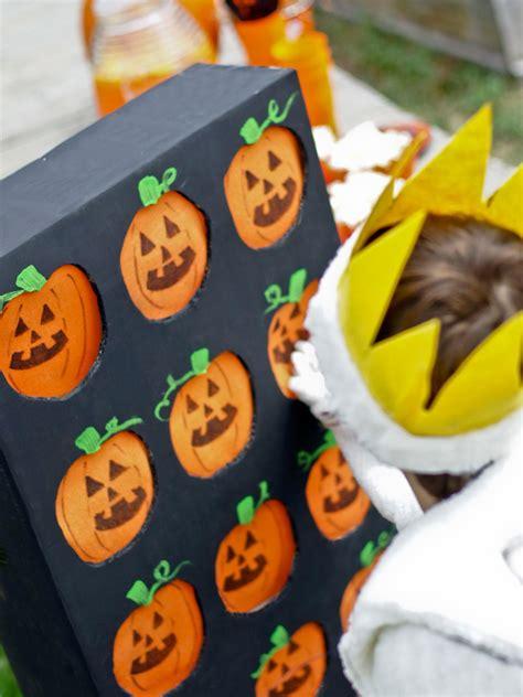 halloween home design games halloween party game pumpkin pickin hgtv